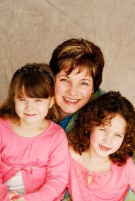 Stacey Kannenberg and Daughters